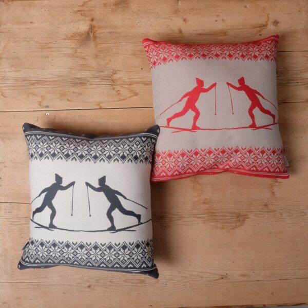"""""""Skifahrer"""" Kissen in Baumwolle Farbe Anthrazit"""