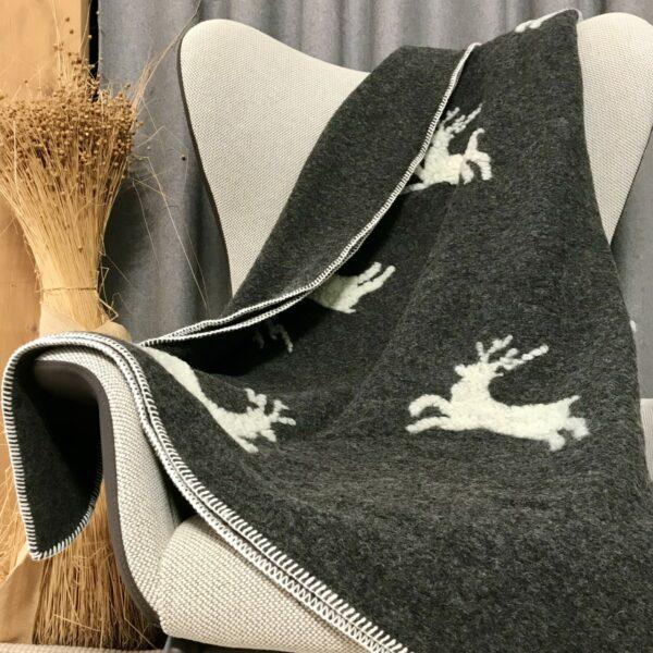 Wolldecke Hirsch, Farbe anthrazit/weiß, Chalet und Landhausstil, Einzel- und Doppelgröße